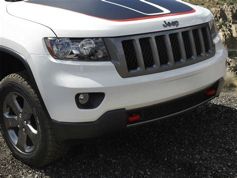 jeep grand cherokee trailhawk grey introducing the 2013 jeep 174 grand cherokee trailhawk the