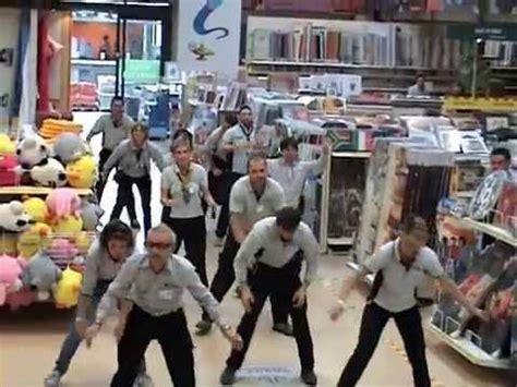 Seriate Leroy Merlin by Flash Mob Leroy Merlin Di Seriate 22102011