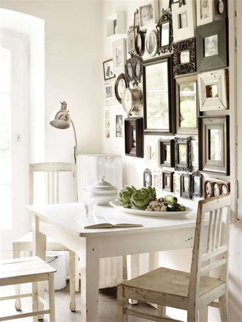 pareti con cornici come realizzare una galleria a parete foto design mag