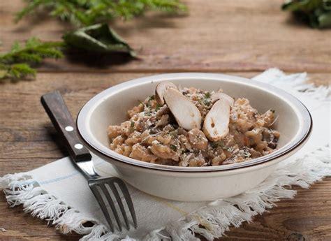 come cucinare funghi porcini surgelati risotto ai funghi porcini il segreto per il risotto