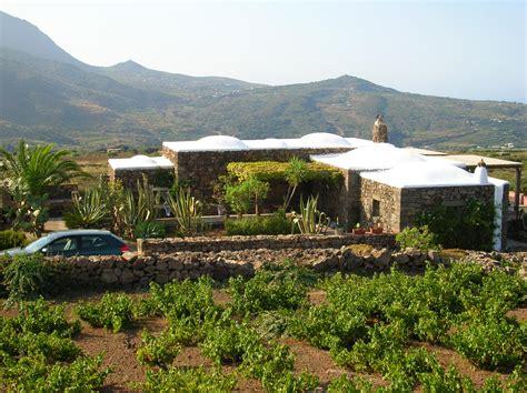 in vendita a pantelleria dammuso in vendita a pantelleria
