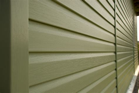 Which Is Better Vinyl Or Aluminum Windows - aluminum vs vinyl siding what s better for your home