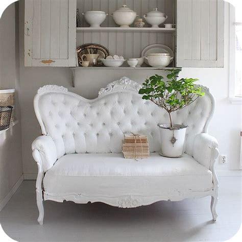 shabby chic settee viktoriansk soffa victorian settee lilla blanka