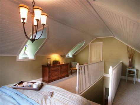kommode unter schräge schlafzimmer einrichten mit boxspringbett