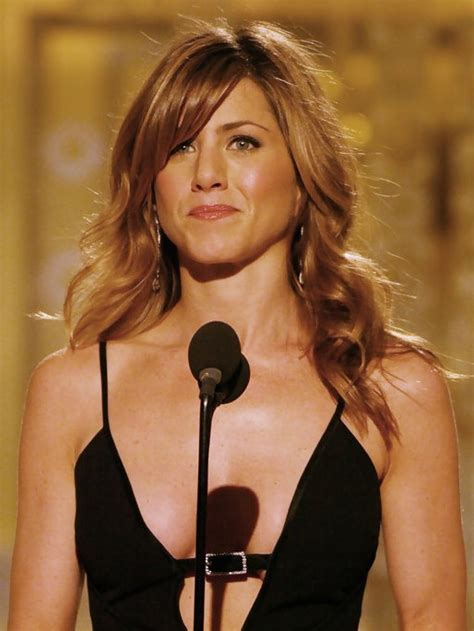 jennifer aniston side bangs jennifer aniston long curly hairstyles with side swept