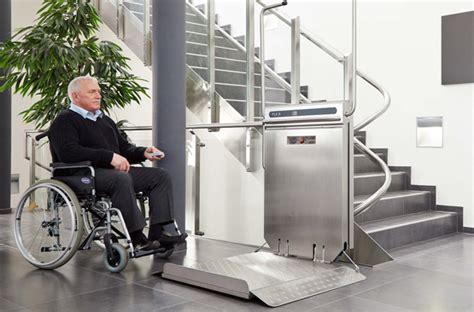 sedia a rotelle per scale il montascale per carrozzella