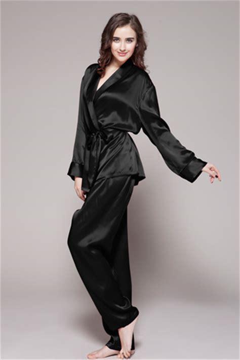 nightwear website top quality 22mm silk pyjamas available from lilysilk new