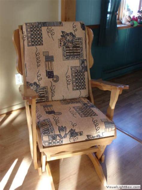 Attrayant Coussins Pour Chaises De Jardin #1: nouveaux_coussins_pour_chaise_bercante_01.jpg