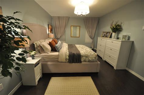 love it or list it bedrooms love it or list it too hgtv