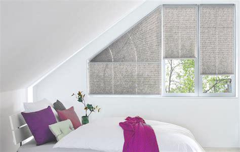 dreiecksfenster gardinen faltrollo bester sonnenschutz f 252 r fenster