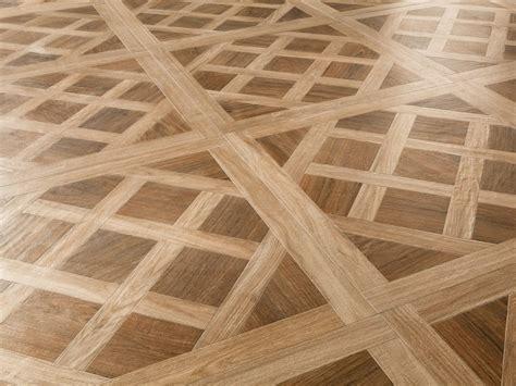 pavimenti ceramica effetto legno prezzi pavimento in gres porcellanato effetto legno royal
