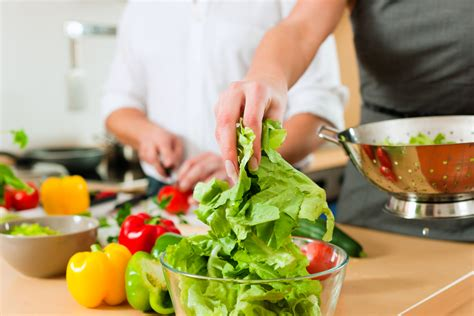 9 healthy meal preparation tips for busy foodies