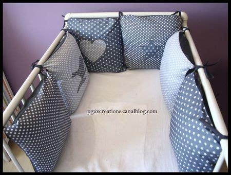 tour de lit coussin gris tour de lit