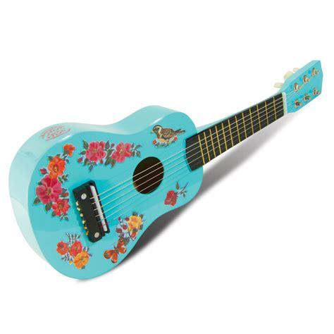 La Guitare De Nathalie L 233 T 233 Vilac Pour Chambre Enfant