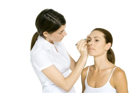 how to become a successful beautician