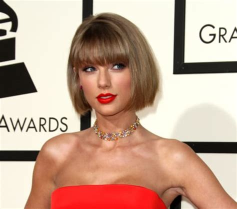 taylor swift new haircut taylor swift bobbin for new hairstyle at the grammys