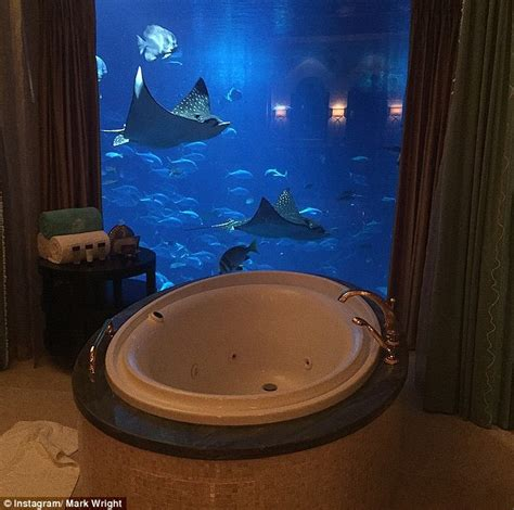Hotels With Tubs In The Room Uk by Towie S Goodger Posts Snap Of Hunky New Boyfriend Jake Mclean Daily Mail