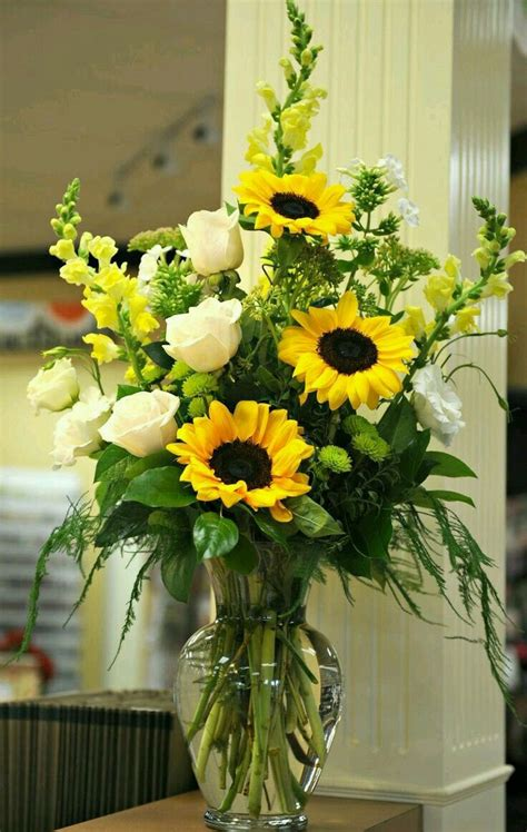Vase Flower Arrangement by Best 25 Vase Arrangements Ideas On Flower