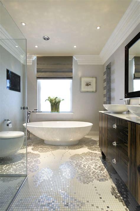 mosaico bagno oltre 25 fantastiche idee su bagni moderni su