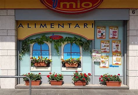 idee per balconi fioriti vetrine e balconi fioriti fanno pi 249 zogno domenica