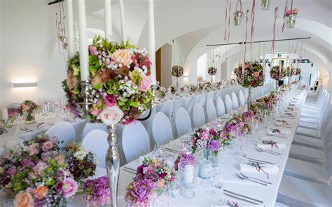 Hochzeit Blumenschmuck by Hochzeitslocation Schloss Weldorf