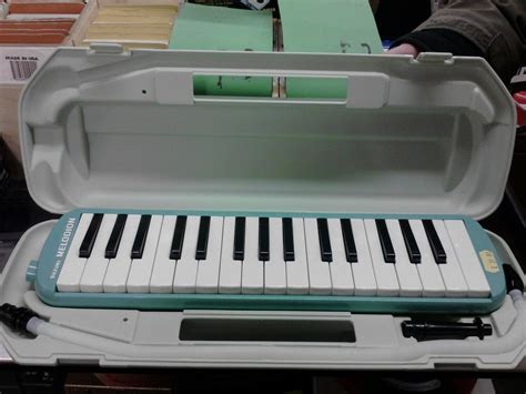 Melodica Suzuki File Suzuki Melodion Jpg