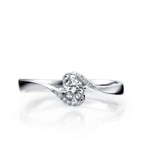 beautiful antique style solitaire engagement ring