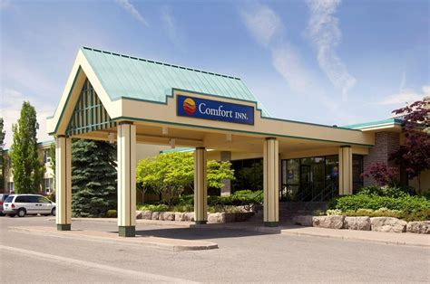 comfort inn niagra falls super 8 north of the falls hotel niagara falls canada