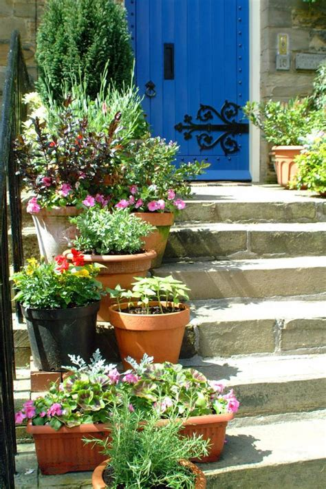 Garden Ideas Small Spaces Garden Design Ideas For Small Spaces Small Garden Ideas