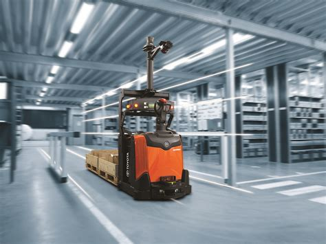 Toyota Material Handling What Will Driverless Forklifts For Your Warehouse