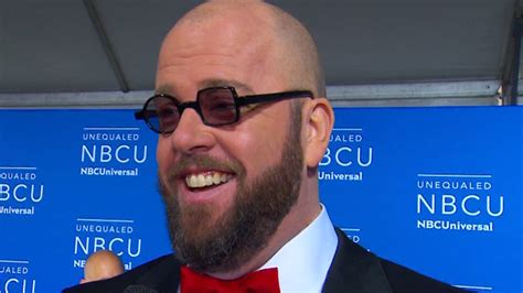 chris sullivan cing and this is us chris sullivan on this is us season 2 etcanada