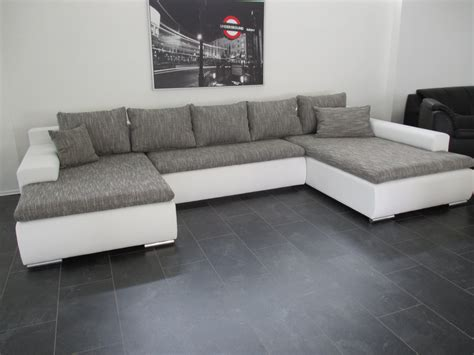 sofa wei grau big sofa wei stunning big sofa bali wei grn mit kissen at
