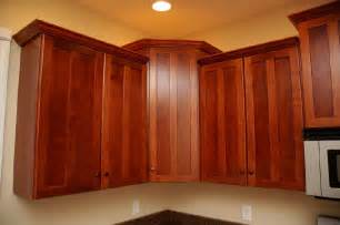 Kitchen Cabinet Crown Moulding Cabinet Crown Molding On Cherry Cabinets A Crown