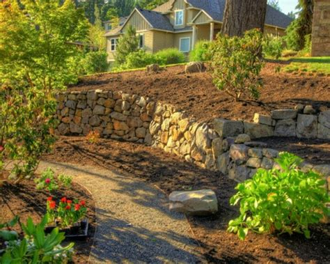 Landscaping Ideas Retaining Wall Hillside Hillside Landscape Like The Landing On The Right With The