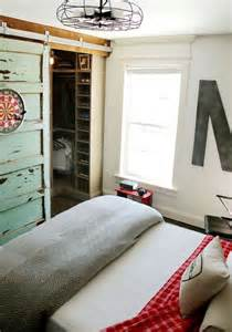 behind bedroom doors 35 ideas to organize and decorate a teen boy bedroom