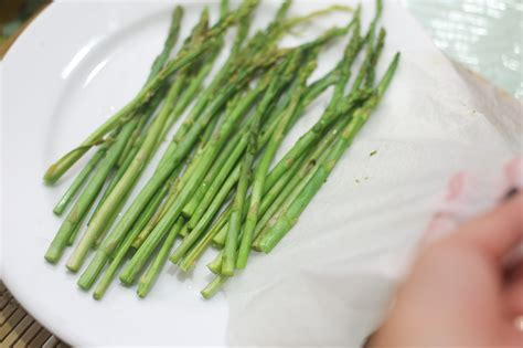 how to steam asparagus in the microwave 8 steps with