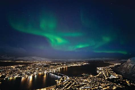where can i go to see the northern lights 10 places i want to visit