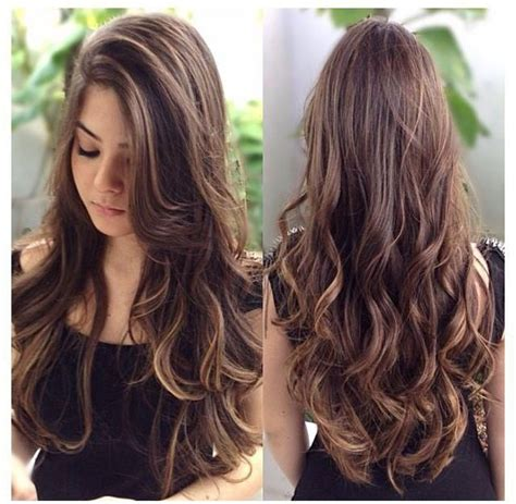 how to highlight layered hair absolutely gorgeous long brown waves with highlights and