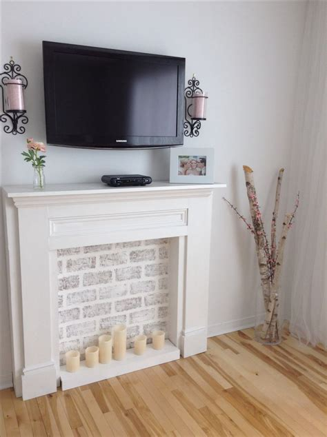 Pretend Fireplace by 17 Best Ideas About Fireplace Mantles On