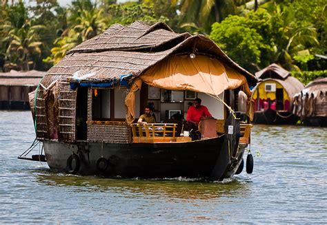 house boat india backwaters cruising in kerala savvy adventurer