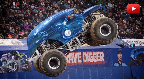 truck monster videos monster trucks videos www pixshark com images