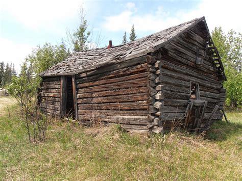 bearfoot guides insight saving alaskas historic log cabins   step   sturdy roof