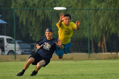 ultimate frisbee layout catch ultimate frisbee layout nick cheng flickr