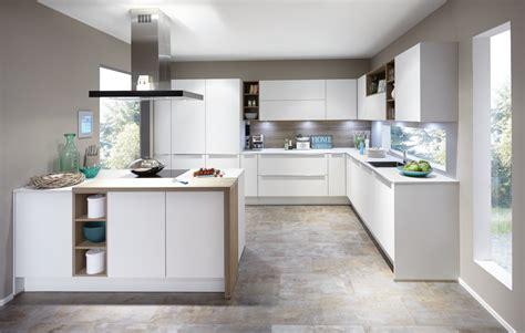 cucina con cucine con penisola moderne e capienti clara cucine