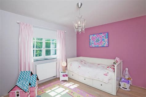 Formidable Idee Deco Chambre Fille 2 Ans #2: chambre-fille-1279367305.jpg