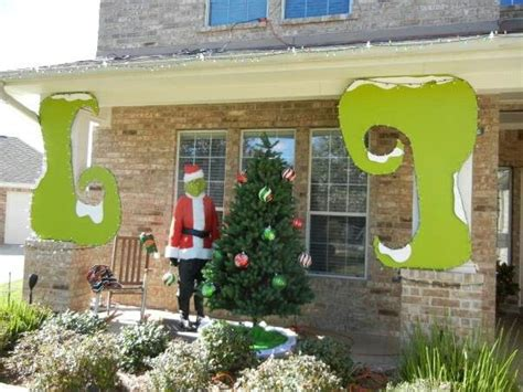 whoville outdoor decorations 1000 images about grinch on