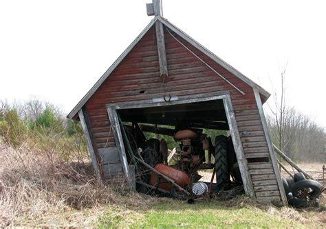 schuppen scheune kostenlose foto traktor bauernhof geb 228 ude scheune