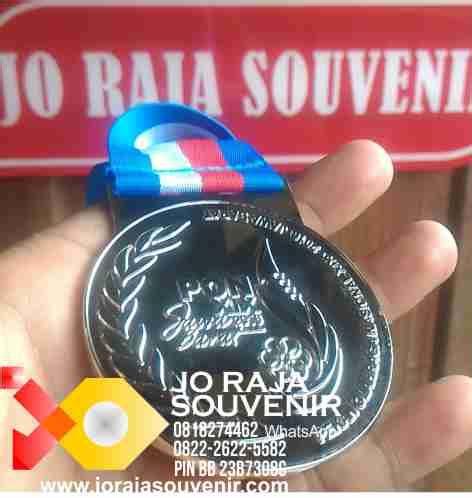 Piala Plakat Akrilik Size Xl pusat pembuatan plakat medali piala plakat resin plakat kuningan
