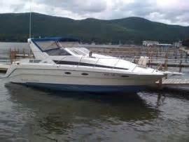 transport a bayliner avanti 30 foot cabin cruiser on lake