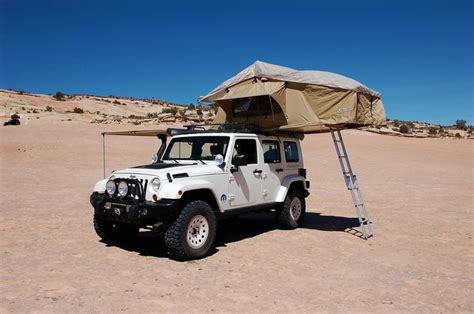 Jeep Wrangler Tent Jeep Wrangler With Tent Set Up Gadgets